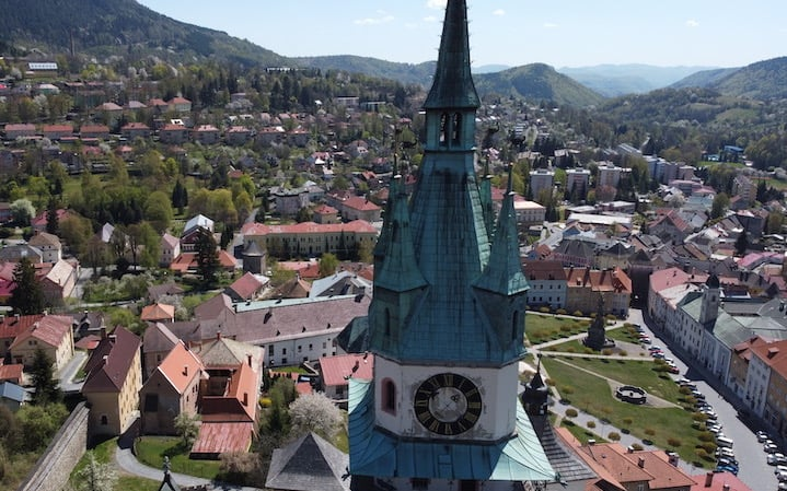 SUNNY DAY IN KREMNICA – VIEW OF THE CENTRE FROM A DRONE