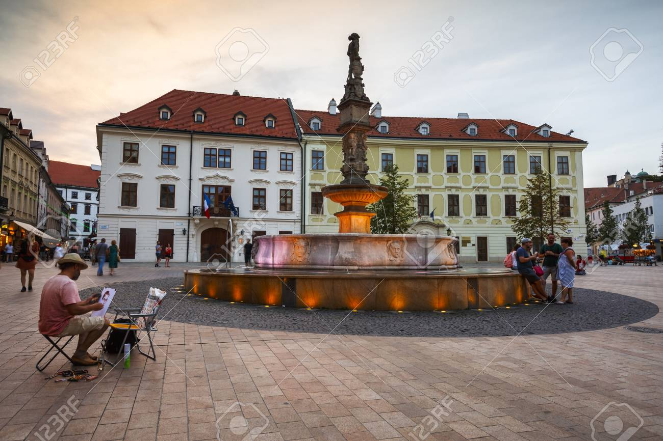 85669138-the-main-square-of-the-old-town-in-bratislava-slovakia-