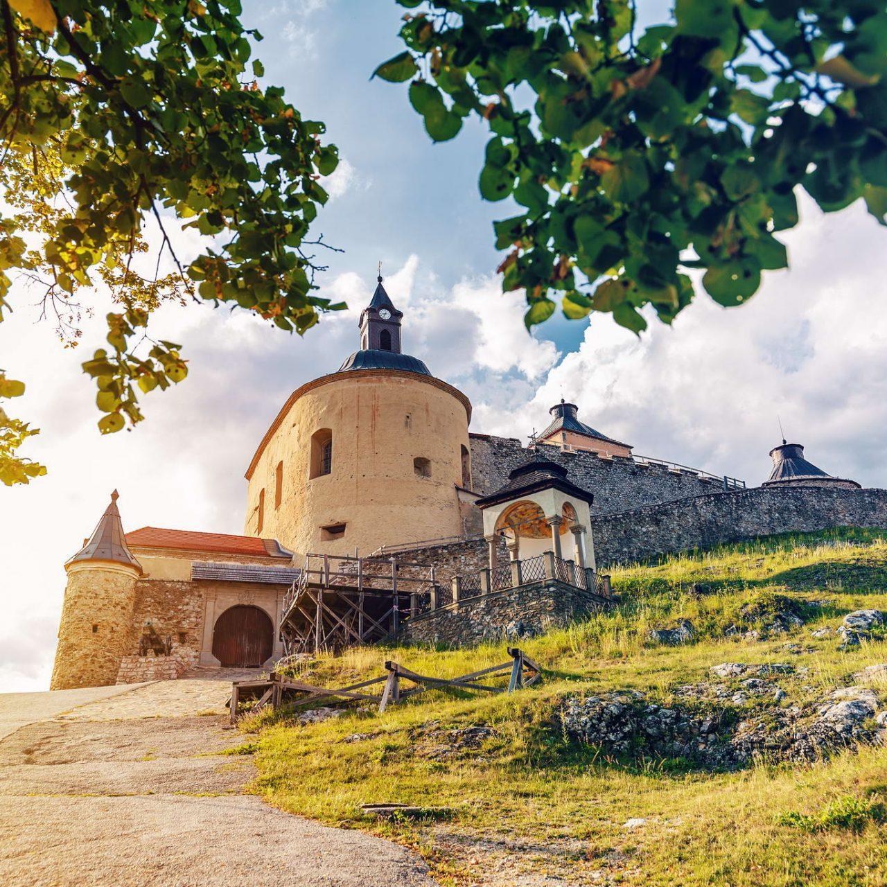 https://www.bestslovakiatours.com/wp-content/uploads/2021/09/krasna-horka-castle-slovakia-V38DS2L_resize-1280x1280-1.jpg